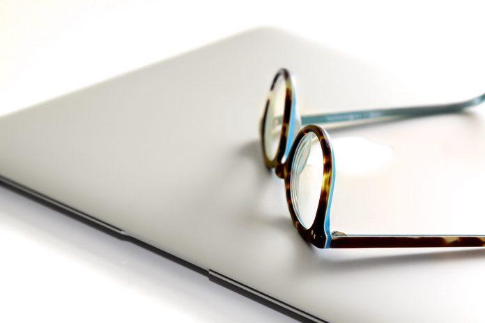 ff1218c0d4 Cómo comprar gafas graduadas por Internet? - Moda & Salud Visual