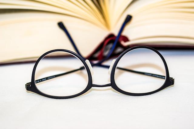 7eaf1860c7 Gafas o lentillas ¿qué elegir según el momento? - Moda & Salud Visual